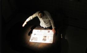Follow Me Spotlight on Table by Philipp Wand