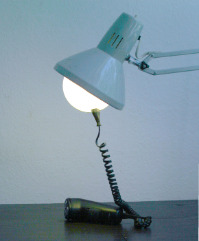 LampJack with shaver by Philipp Wand
